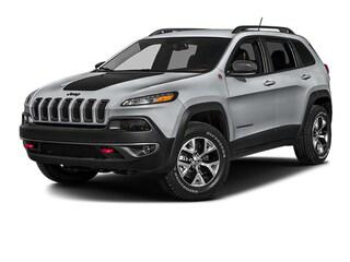 Used 2017 Jeep Cherokee Trailhawk 4x4 SUV near Harrisburg