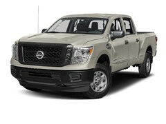 used 2017 Nissan Titan Truck Crew Cab for sale in Gastonia
