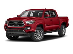 Used 2017 Toyota Tacoma SR5 Truck Double Cab 3TMCZ5AN1HM073168 for sale in Marion, IL