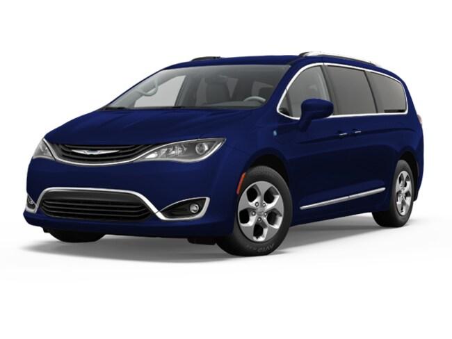 New 2018 Chrysler Pacifica HYBRID TOURING PLUS Passenger Van Elverson, PA