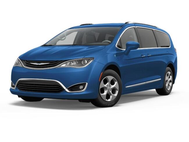 New 2018 Chrysler Pacifica Hybrid TOURING PLUS Passenger Van in Simsbury