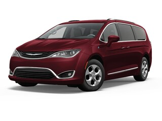 New 2018 Chrysler Pacifica Hybrid Touring Plus Van Passenger Van Medford, OR