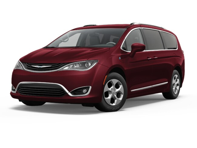 2018 Chrysler Pacifica HYBRID TOURING PLUS Passenger Van Near Vancouver WA