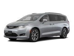New 2018 Chrysler Pacifica LIMITED Passenger Van in-North-Platte-NE