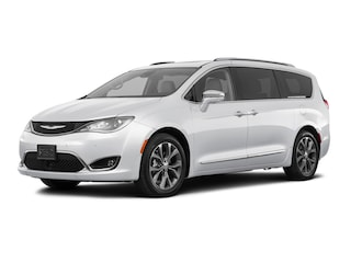 New 2018 Chrysler Pacifica LIMITED Passenger Van 2C4RC1GG8JR272715 for sale near Toledo