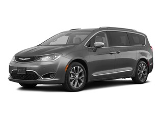 New 2018 Chrysler Pacifica LIMITED Passenger Van in Burlingame