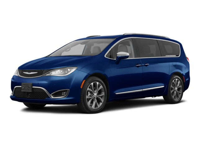 New 2018 Chrysler Pacifica LIMITED Passenger Van in Adrian, MI