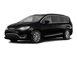 New 2018 Chrysler Pacifica Touring L Van C21047 in Woodhaven, MI