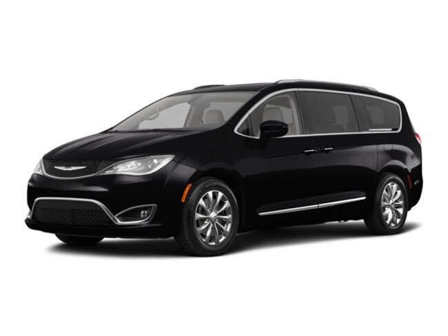 New 2018 Chrysler Pacifica TOURING L Passenger Van Near Buffalo