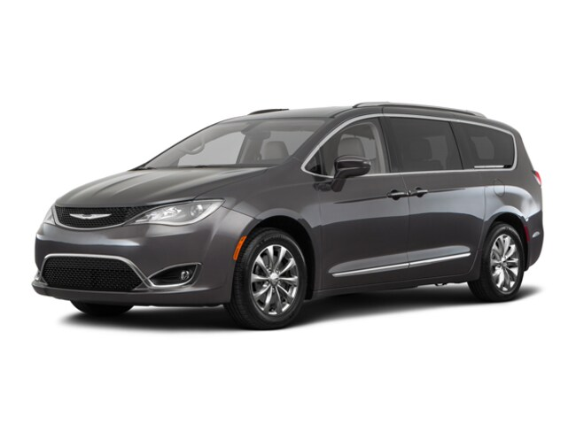 New 2018 Chrysler Pacifica Touring L Van C21070 Woodhaven, MI