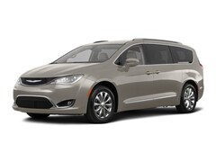 2018 Chrysler Pacifica Touring L Van 18818 2C4RC1BGXJR178066 for sale near Clinton, IN