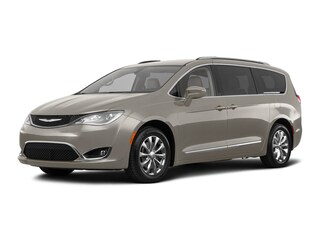 New 2018 Chrysler Pacifica TOURING L Passenger Van in Danvers near Boston, MA