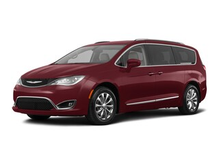 2018 Chrysler Pacifica Touring L Van 2C4RC1BG6JR139541