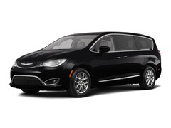 New 2018 Chrysler Pacifica Touring Plus Van in Fairfield