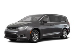 New 2018 Chrysler Pacifica Touring Plus Van Henrietta Texas