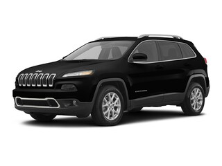 New 2018 Jeep Cherokee Latitude FWD SUV J180433 in Brunswick, OH