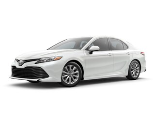 New 2018 Toyota Camry LE Sedan in Maumee