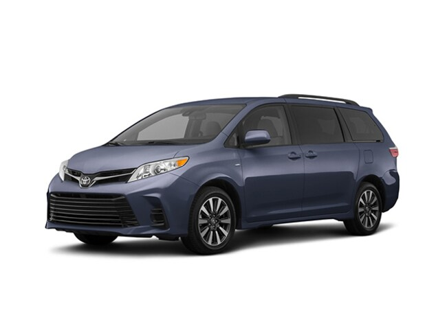 New 2018 Toyota Sienna LE 7 Passenger Van Passenger Van for sale in Greenfield