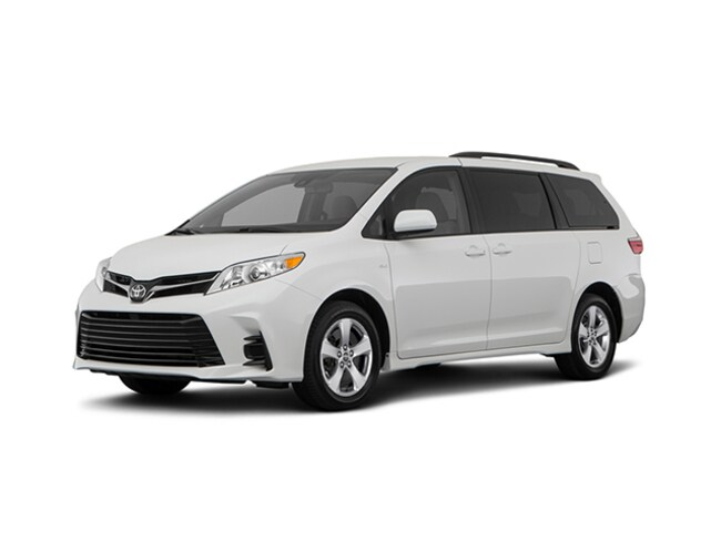 New 2018 Toyota Sienna LE 8 Passenger Van Passenger Van for sale in the Brunswick, OH