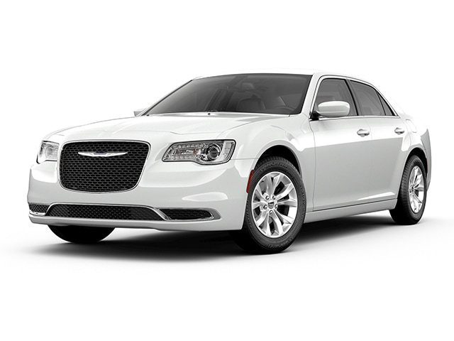 New 2019 Chrysler 300 TOURING Sedan In Seneca, SC Near Greenville, SC