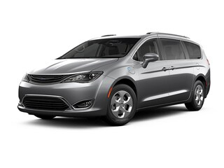 2019 Chrysler Pacifica Hybrid Van