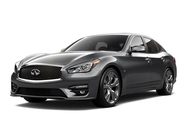 New 2019 INFINITI Q70 3.7X LUXE Sedan Westborough
