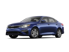 2019 Kia Optima LX Sedan 5XXGT4L32KG365526
