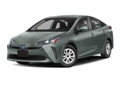 New 2019 Toyota Prius L Hatchback