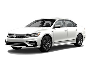 New 2019 Volkswagen Passat 2.0T SE R-Line Sedan Medford, OR