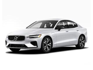 New 2019 Volvo S60 T6 R-Design Sedan in Appleton, WI