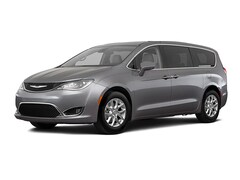 New 2020 Chrysler Pacifica TOURING Passenger Van Humboldt, Tennessee