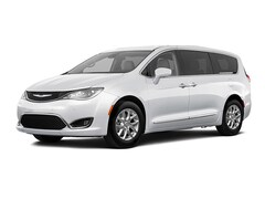 New Chryser Dodge Jeep Ram 2020 Chrysler Pacifica TOURING Passenger Van Stockton, CA