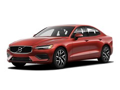 New 2020 Volvo S60 T6 AWD Momentum Sedan near Burlington