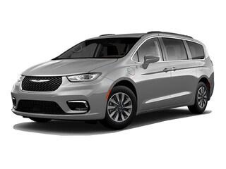 2021 Chrysler Pacifica Hybrid Touring-L Plus Van