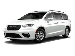 New 2021 Chrysler Pacifica Touring Van Passenger Van
