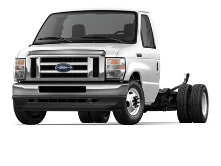 2021 Ford E-450 Cutaway E-450 DRW WB