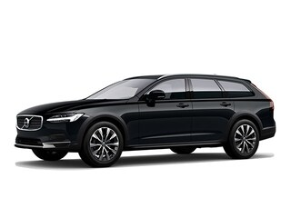 New 2021 Volvo V90 Cross Country T6 Wagon Norwood, MA