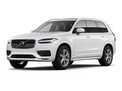 2021 Volvo XC90 T6 Momentum 7-Passenger SUV
