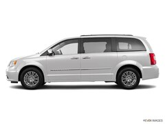 2016 Chrysler Town & Country Touring-L Minivan/Van