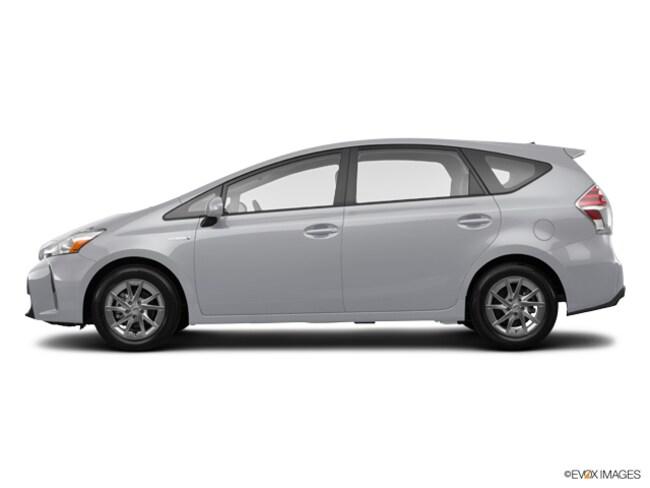 2017 Toyota Prius v 5-Door Four Wagon