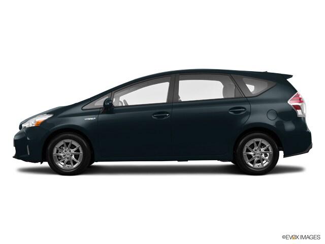 2017 Toyota Prius v Wagon