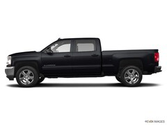 Used 2017 Chevrolet Silverado 1500 LT w/1LT Truck Crew Cab For Sale In Carrollton, TX