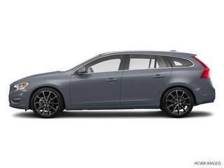 New 2017 Volvo V60 T5 Premier Wagon YV140MEK5H1369472 17D342
