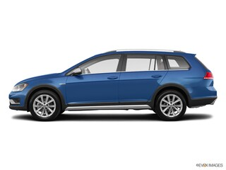 2017 Volkswagen Golf Alltrack TSI Car