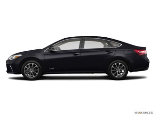 2018 Toyota Avalon Hybrid XLE Sedan for sale near Detroit