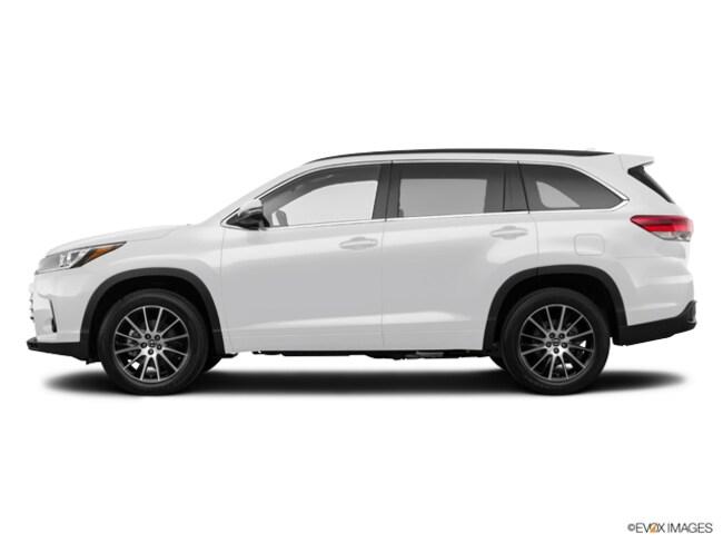 New 2018 Toyota Highlander SE V6 SUV near Dallas, TX