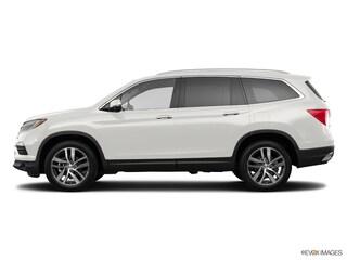 New 2018 Honda Pilot Touring FWD SUV 00H80762 near San Antonio