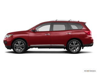 New 2019 Nissan Pathfinder Platinum SUV for sale in Manhattan, KS at Briggs Manhattan