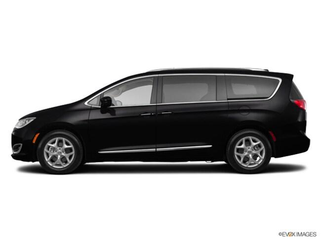 New 2019 Chrysler Pacifica TOURING L PLUS Passenger Van Near Grand Rapids