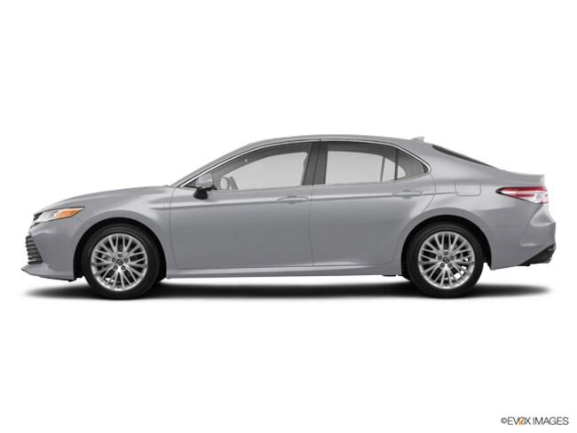 New Toyota vehicle 2019 Toyota Camry Hybrid XLE Sedan for sale near you in Southfield, MI